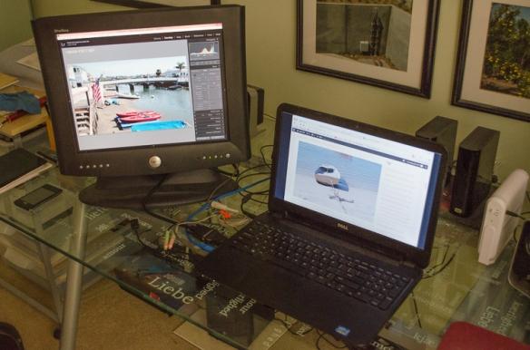 """Dell UltraSharp 17"""" Monitor"""